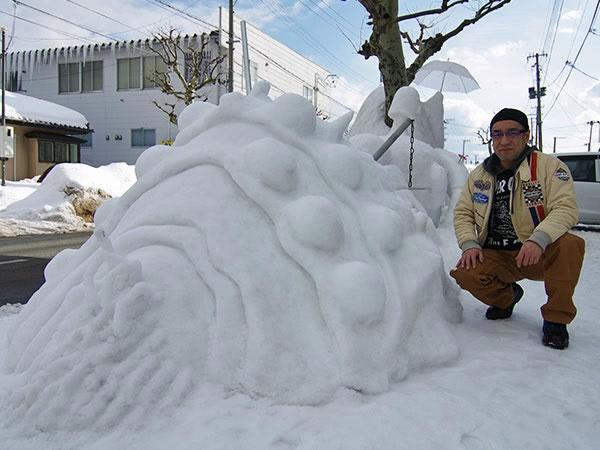 雪像の王蟲