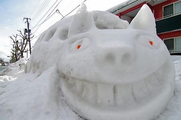 ネコバスの雪像