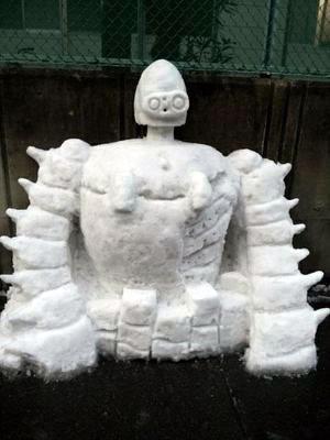 ロボット兵の雪像