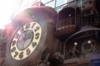 宮崎駿デザインの日テレ大時計